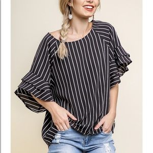 NWT Umgee Striped Top w/Ruffled Sleeves Blk/Wht